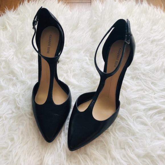 919858e055e Gianni Bini Black Leather T Strap Heels Size 10